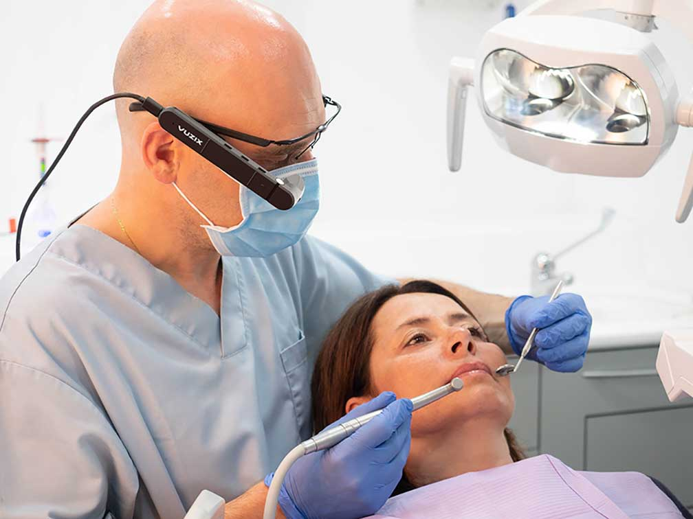Powering the Dentists of Tomorrow with Smart Glasses
