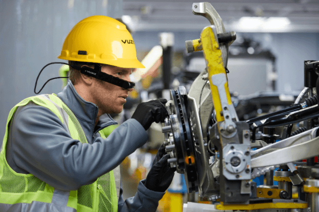Field Service Pros and Smart Glasses a Natural Fit – White Paper